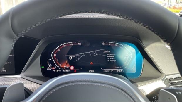2021 BMW XDrive40d M Sport (Black) - Image: 9