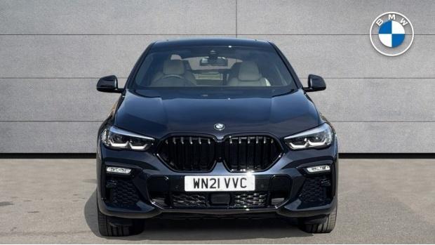 2021 BMW XDrive40d M Sport (Black) - Image: 16