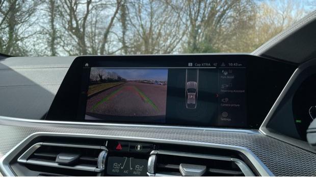 2021 BMW XDrive40d M Sport (Black) - Image: 22