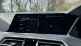2021 BMW XDrive40d M Sport (Black) - Image: 24