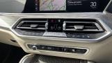 2021 BMW XDrive40d M Sport (Black) - Image: 25