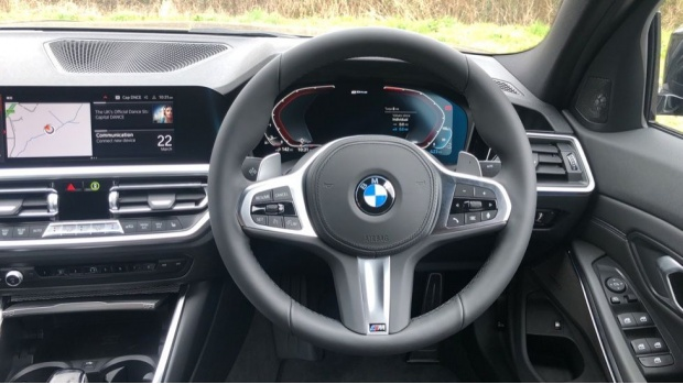 2021 BMW 330e M Sport Saloon (Black) - Image: 5