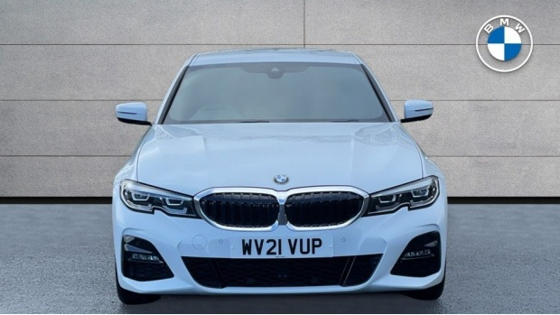 2021 BMW 320d M Sport Saloon (White) - Image: 16