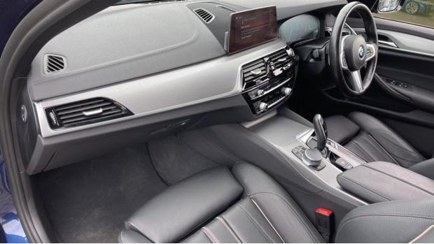 2019 BMW 520i M Sport Saloon (Blue) - Image: 7