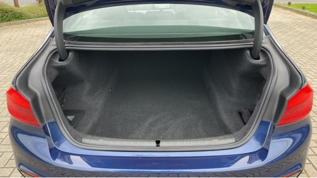 2019 BMW 520i M Sport Saloon (Blue) - Image: 13