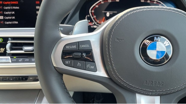 2021 BMW XDrive30d M Sport (Blue) - Image: 17