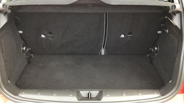 2018 MINI Cooper 3-door Hatch (Red) - Image: 13