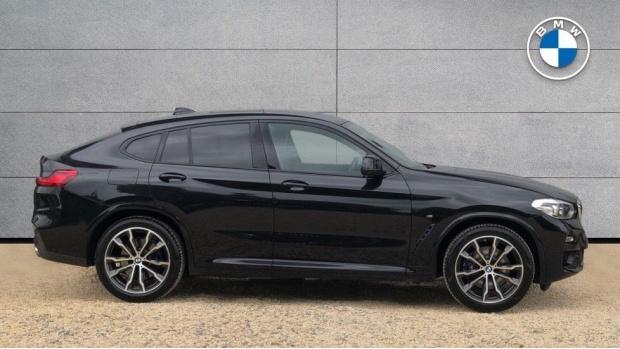2018 BMW XDrive20d M Sport (Black) - Image: 3