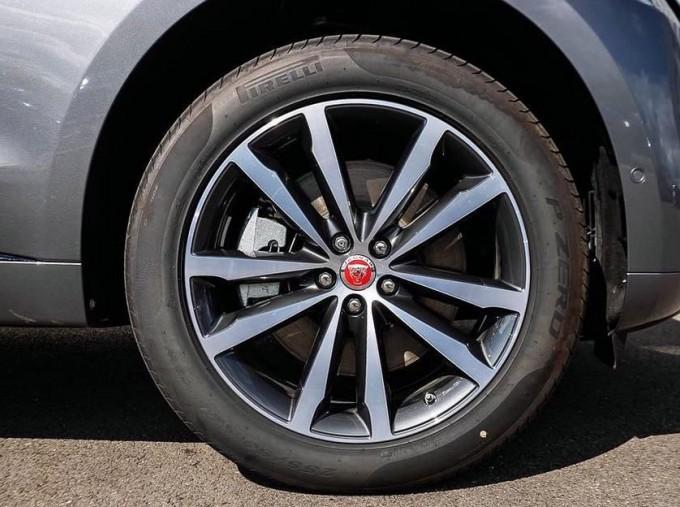 2021 Jaguar P400e 17.1kWh R-Dynamic SE Auto 5-door (Grey) - Image: 8