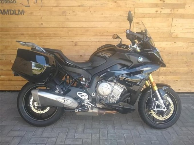 2019 BMW S1000XR Unlisted Unknown (Black) - Image: 1