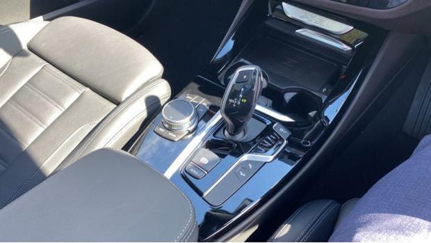 2021 BMW XDrive20d M Sport (Grey) - Image: 10