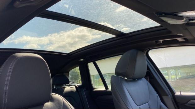 2021 BMW XDrive20d M Sport (Grey) - Image: 24