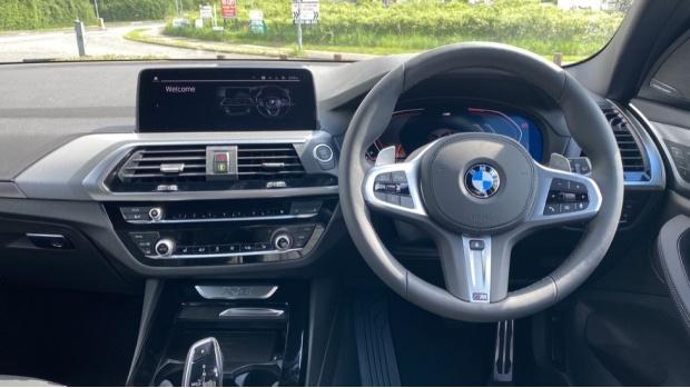 2021 BMW XDrive20d M Sport (Silver) - Image: 4