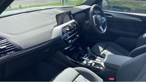 2021 BMW XDrive20d M Sport (Silver) - Image: 7