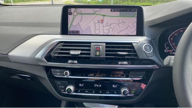 2021 BMW XDrive20d M Sport (Silver) - Image: 8