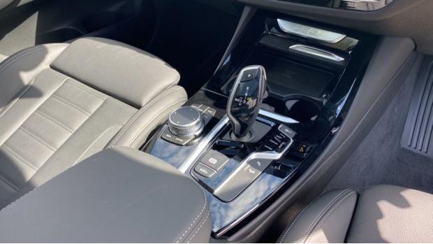 2021 BMW XDrive20d M Sport (Silver) - Image: 10