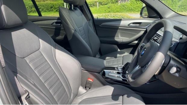 2021 BMW XDrive20d M Sport (Silver) - Image: 11