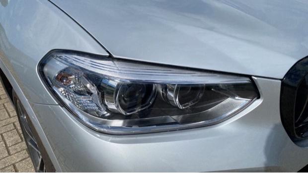 2021 BMW XDrive20d M Sport (Silver) - Image: 22