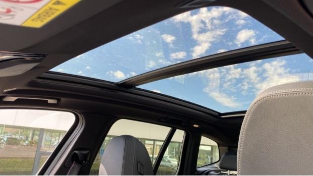 2021 BMW XDrive20d M Sport (Silver) - Image: 23