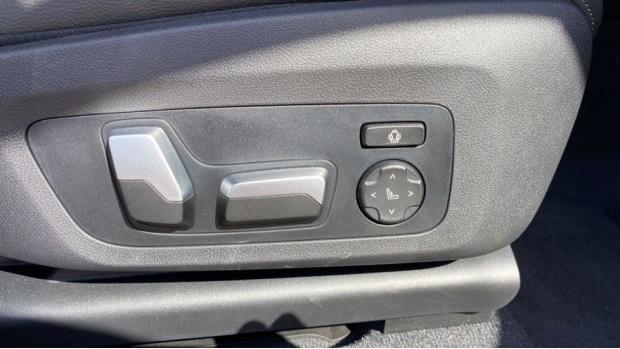 2021 BMW XDrive20d M Sport (Silver) - Image: 26