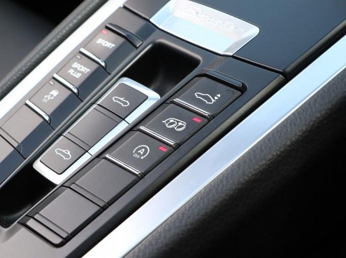 2016 Porsche 981 Black Edition PDK 2-door (Black) - Image: 20