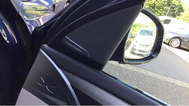 2021 BMW XDrive20i M Sport (Blue) - Image: 20