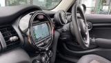 2019 MINI 5-door One Classic (Black) - Image: 30