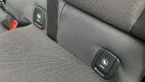 2019 MINI 5-door One Classic (Black) - Image: 32