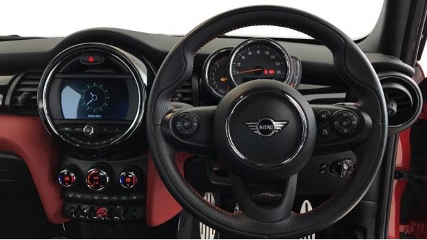 2020 MINI 5-door Cooper Sport (Red) - Image: 5