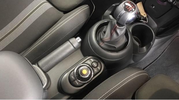 2020 MINI 5-door Cooper Sport (Red) - Image: 10