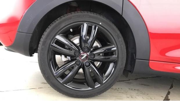 2020 MINI 5-door Cooper Sport (Red) - Image: 14