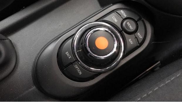 2020 MINI 5-door Cooper Sport (Red) - Image: 19