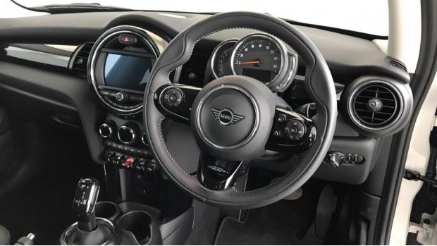 2020 MINI 3-door Cooper Exclusive (Silver) - Image: 8