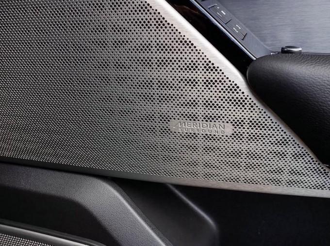 2021 Land Rover D300 MHEV R-Dynamic SE Auto 4WD 5-door (Grey) - Image: 15