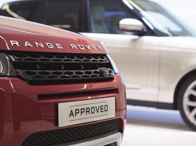 2018 Land Rover TD4 Landmark Auto 4WD 5-door (Grey) - Image: 3