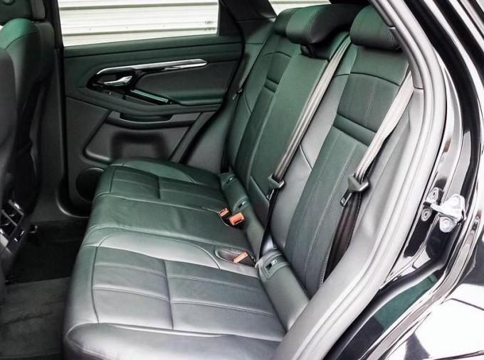 2021 Land Rover D200 MHEV R-Dynamic SE Auto 4WD 5-door (Black) - Image: 4