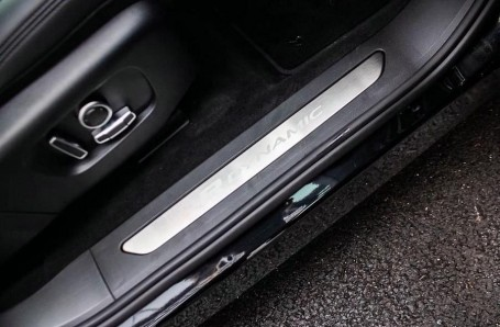 2021 Land Rover D200 MHEV R-Dynamic SE Auto 4WD 5-door (Black) - Image: 15