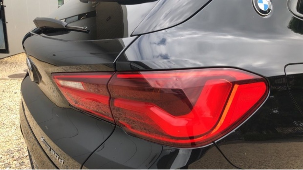 2018 BMW XDrive20d M Sport (Black) - Image: 21