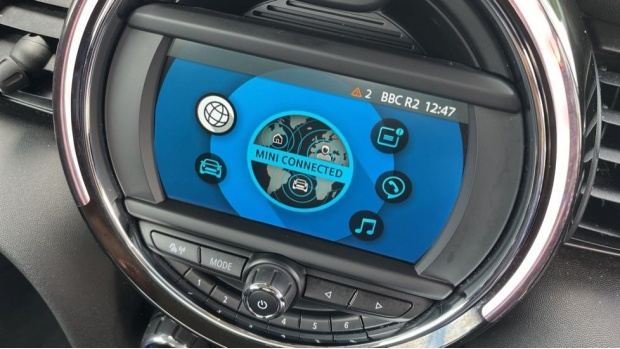 2018 MINI Cooper S 3-door Hatch (Blue) - Image: 30