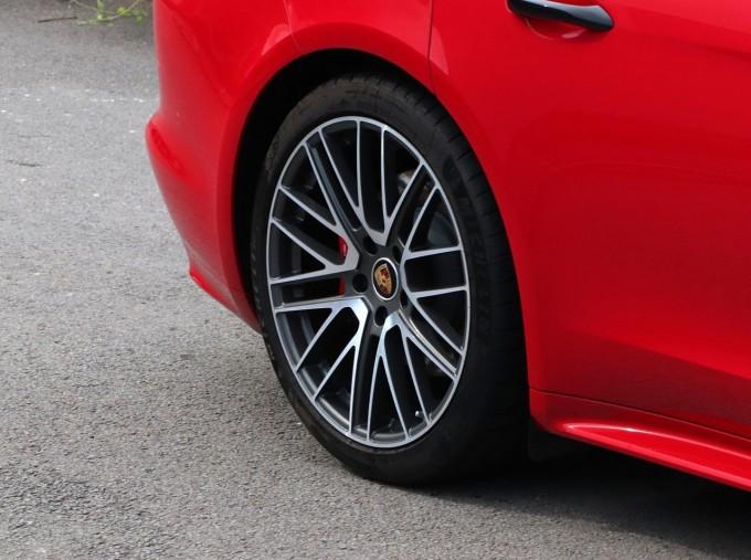 2021 Porsche V6 4S Sport Turismo PDK 4WD 5-door (Red) - Image: 8