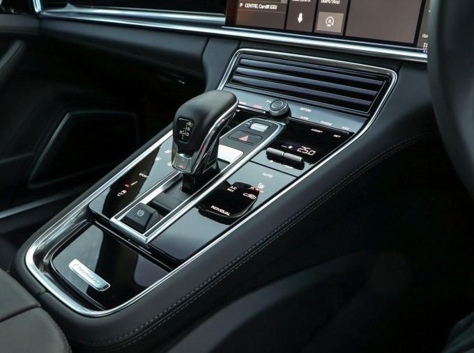 2021 Porsche V6 4S Sport Turismo PDK 4WD 5-door (Red) - Image: 14
