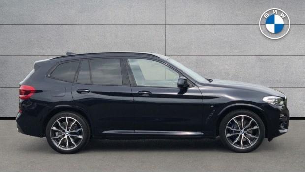 2019 BMW XDrive20d M Sport (Black) - Image: 3