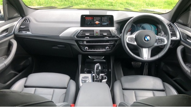 2019 BMW XDrive20d M Sport (Black) - Image: 4