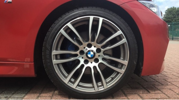 2015 BMW 320d M Sport Saloon (Red) - Image: 14