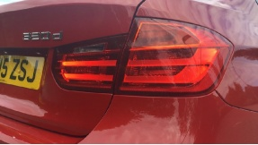 2015 BMW 320d M Sport Saloon (Red) - Image: 22