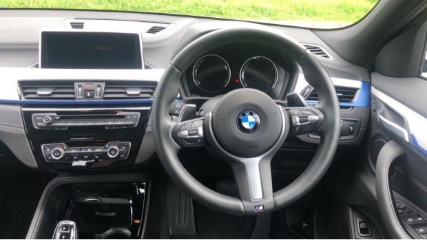 2019 BMW XDrive20d M Sport (White) - Image: 5