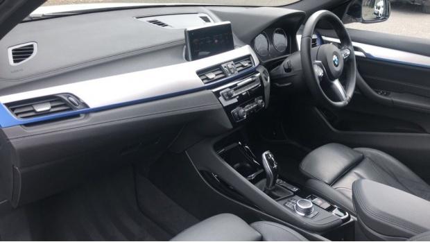 2019 BMW XDrive20d M Sport (White) - Image: 7