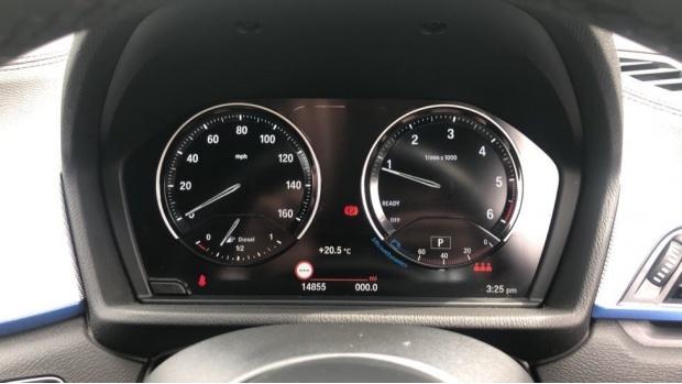 2019 BMW XDrive20d M Sport (White) - Image: 9