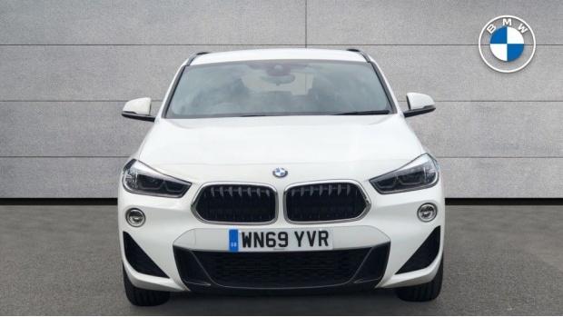 2019 BMW XDrive20d M Sport (White) - Image: 16