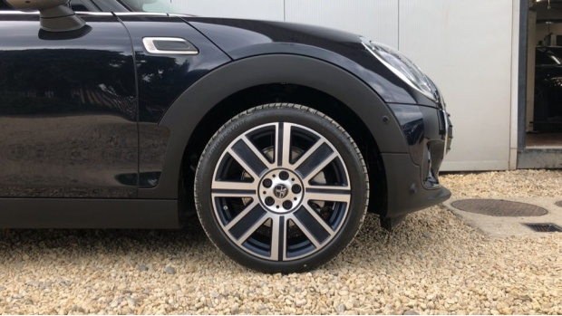 2021 MINI Cooper Exclusive (Black) - Image: 14